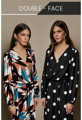 Double-sided short wrap dress with long sleeves.